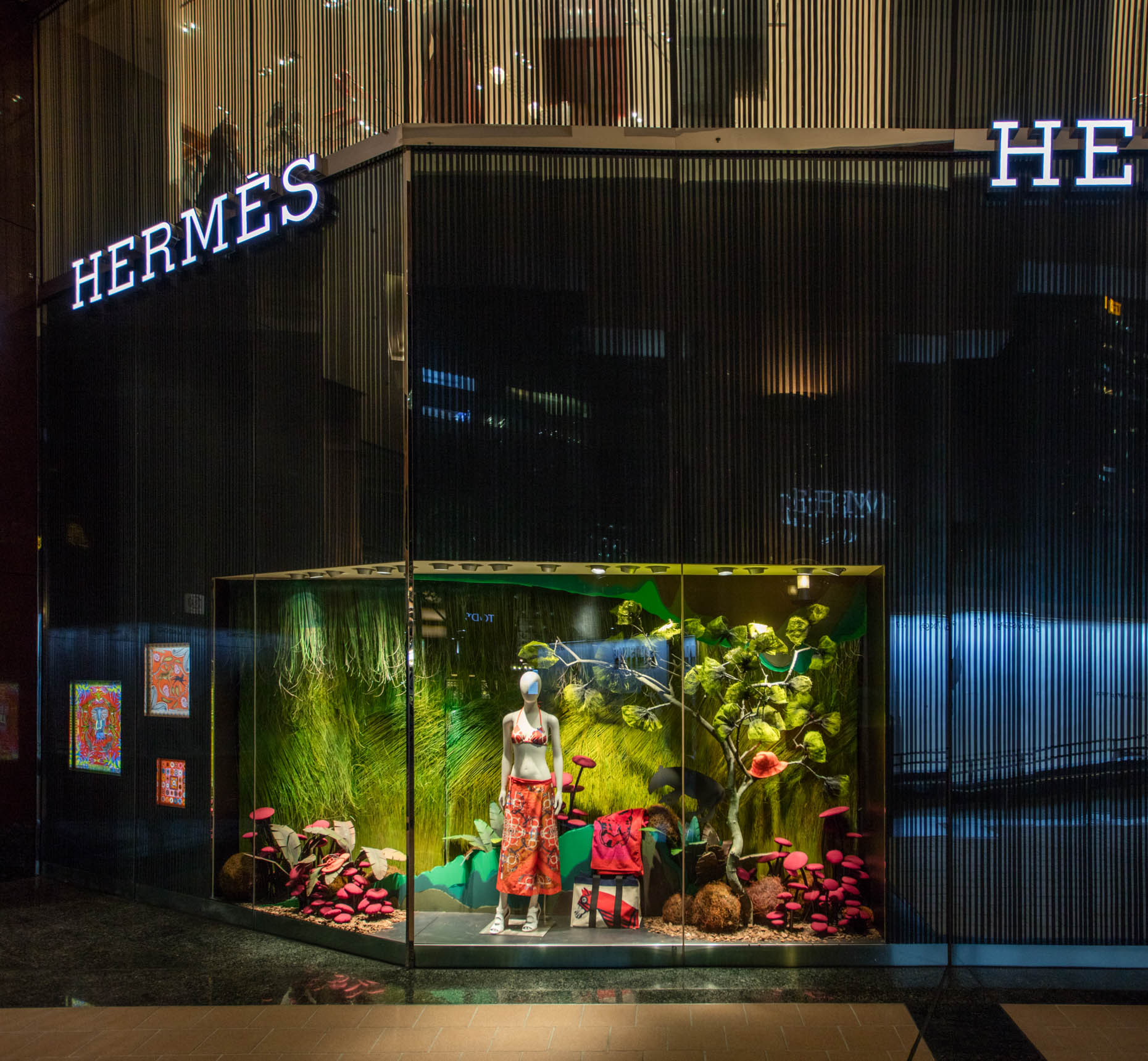 Hermes-store-display-_-Hong-Huazheng2